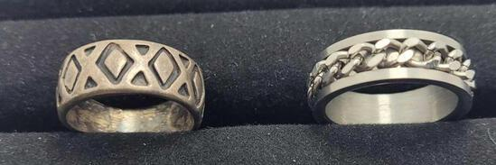 2 silver rings Sizes 10 and 10 1/2 15.72g
