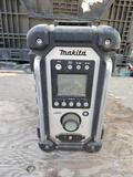 Makita XRM02 Radio