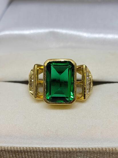 Deco ring with green and white stones ring size 6 1/2