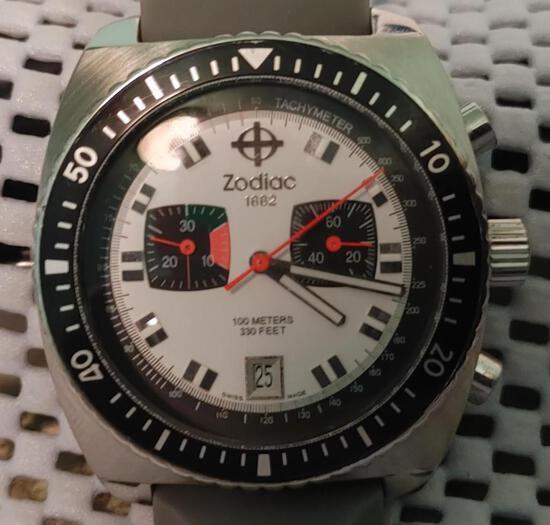 Zodiac Sea Dragon Panda Dial vintage Quartz Date Men's Double Sub Dials Divers Watch