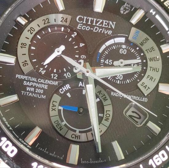 Citizen Eco-Drive Mens Perpetual Calendar Radio Controlled Titanium case bracelet Divers Wristwatch