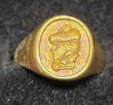 18kt gold ring size 6