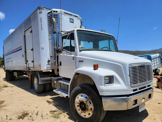 2000 FL106 Freightliner Semi Thermo King Refrigerated Trailer Odometer 415839 miles parts only