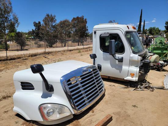 Freightliner Cabin & Parts