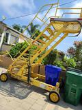 Airplane Loading Pedestrian Baggage manual operated Lift up to 19ft High