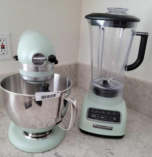 Kitchen Aid Architect 5 qt mixer and matching Blender