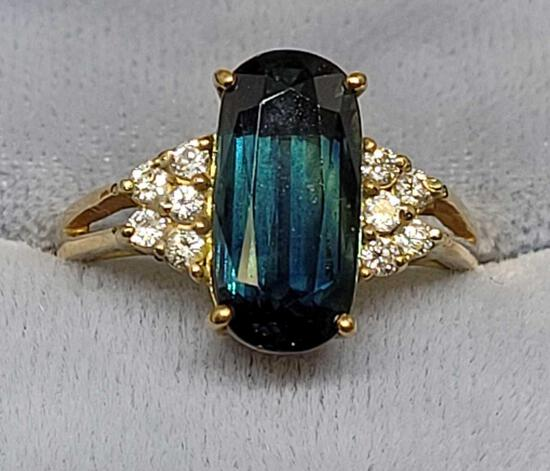 Beautiful Blue Sapphire and diamond set in 14kt gold ring size 6 1/2 Wow