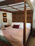 Vintage King Canopy Bed w Body Logic adjustable Bed