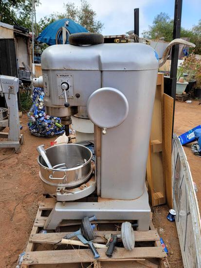Hobart H600 Commercial 60-Quart Dough Mixer w/ Attachments