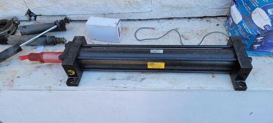 Parker Cylinders Series 2H 3000psi Hydraulic Arm