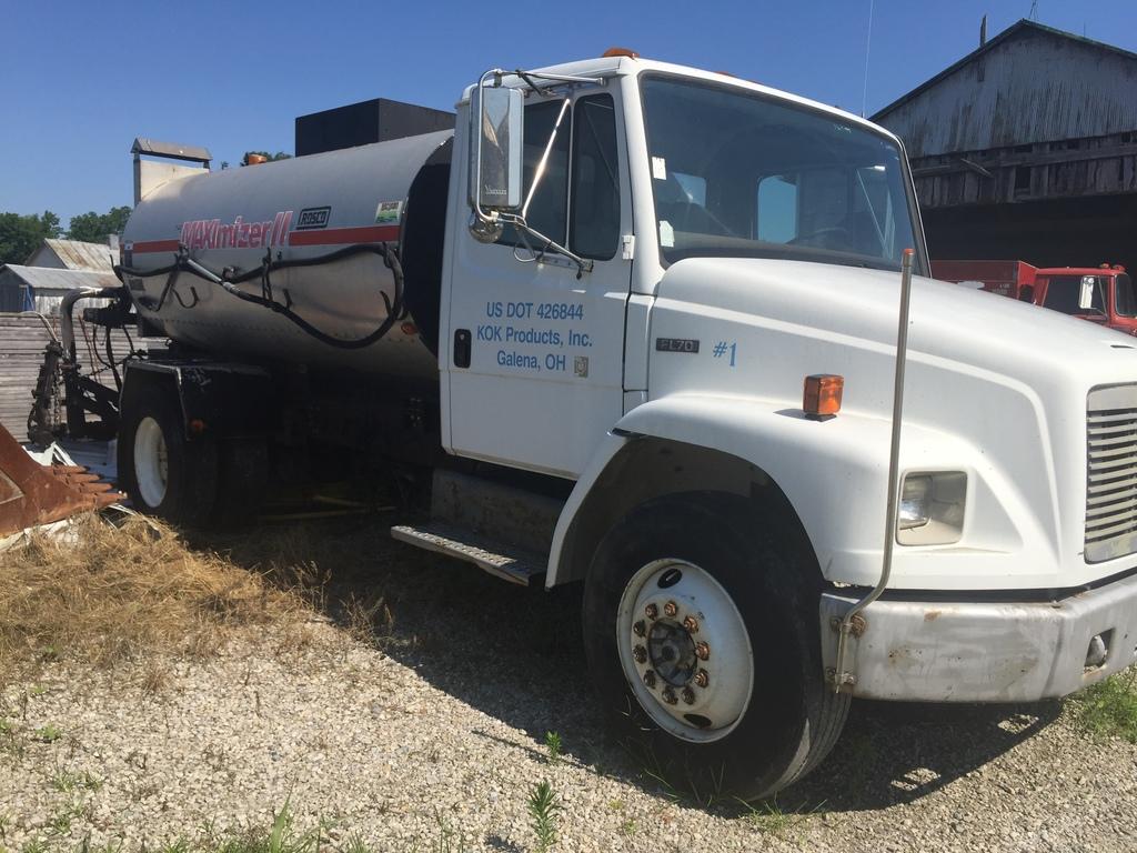1998 Freightliner FL70 distributor