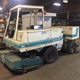 Tennant 550 Industrial Floor scrubber and vacuum