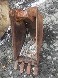 16x28 Backhoe Bucket