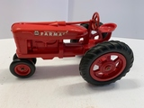 Plastic International Farmall