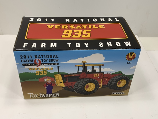 Versatile 935, 2011 National Farm Toy Show Vintage 9 4WD Series, 1/32 Scale, NIB