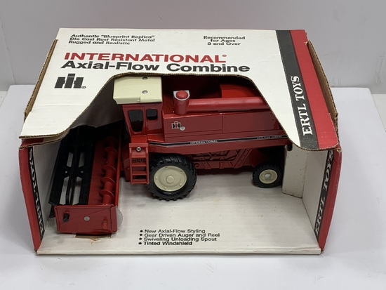 International Axial-Flow Combine, Ertl, Stock Number 413, NIB, 1/32 Scale