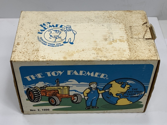 Case 800 Toy Farmer November 2, 1990, 1/16 Scale