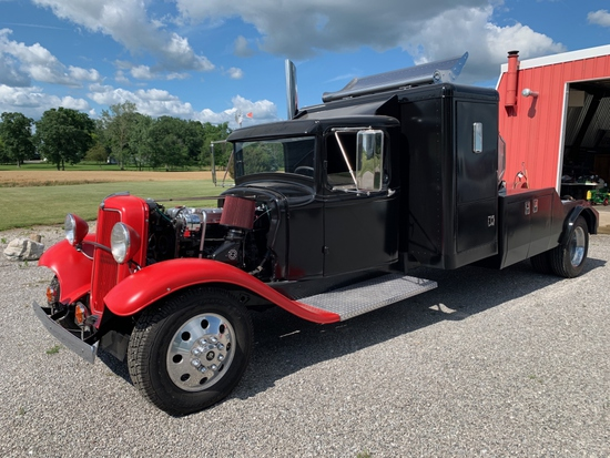 1932 Customized 1.5 Ton Ford Truck