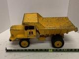 Ertl Eska Ih Toy Truck With Hydraulic Dump Bed