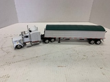 New Ray Kenworth W900 With Hopper Trailer