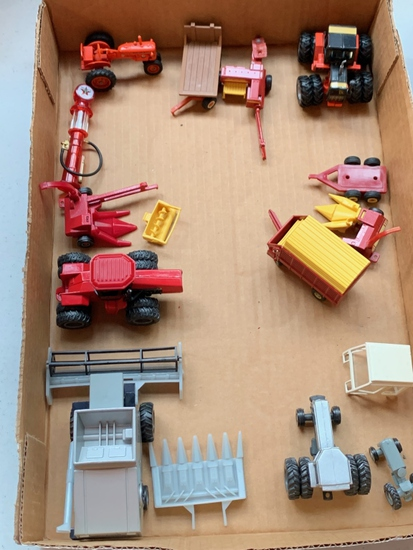 1/64th Toys Case, IH, New Holland, Gleaner, Allis Chalmers