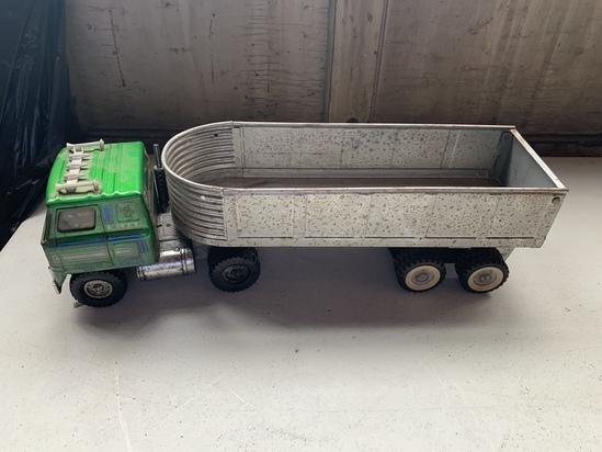 Ertl Semi Tractor & Structo Hydraulic Dump Trailer