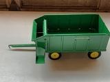 John Deere Forage Wagon 1/16 Scale