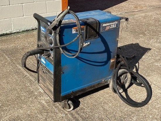 Millermatic 251 Portable MIG Welder With Attachments