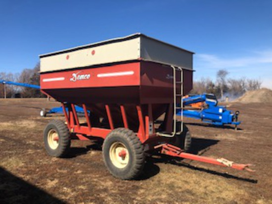 Demco 365 Gravity Flow Wagon