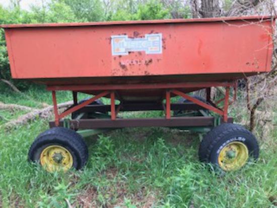 Gravity Box Wagon with John Deere 1065A Running Gear