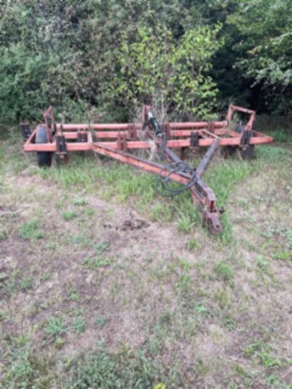Pull Type 15' Chisel Plow