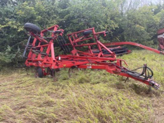 Case IH 4800 Field Cultivator with 3 Bar Harrow