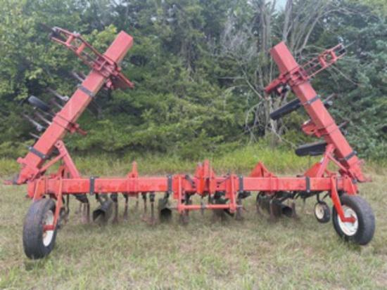 Case IH 8 Row Wide Row Crop Cultivator