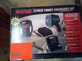 Motor Trend - 5 Piece Family Emergency Kit