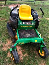 John Deere Z225 Zero-Turn Mower - 42
