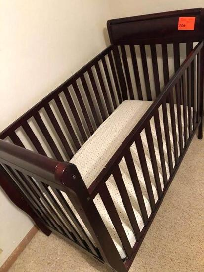 Graco Wooden Baby Bed w/Mattress - Excellent Condition