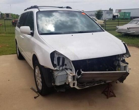 KIA SEDONA EX - Wrecked - Does Not Run