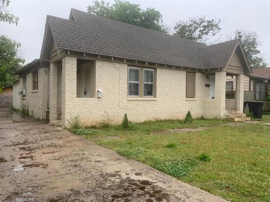 Brick Duplex with 1437 Sqft, 1 Bed, 1 Bath On Each Side. Close to OKC University I-44 Plaza District