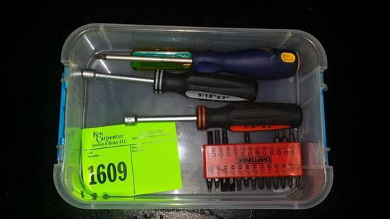 Screwdrivers and nut drivers with bits
