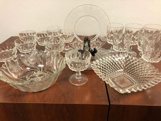 32-Piece Vintage Glass Set