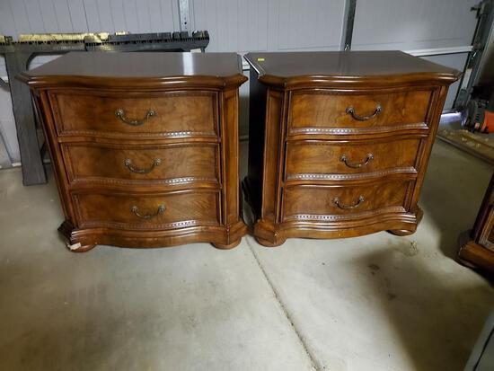 2 Wooden Matching Nightstands.