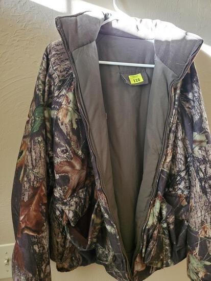 Camo hunting Jacket sz M