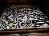 3 zebra hand towels