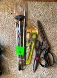 Shot Gun Cleaners, Scissors
