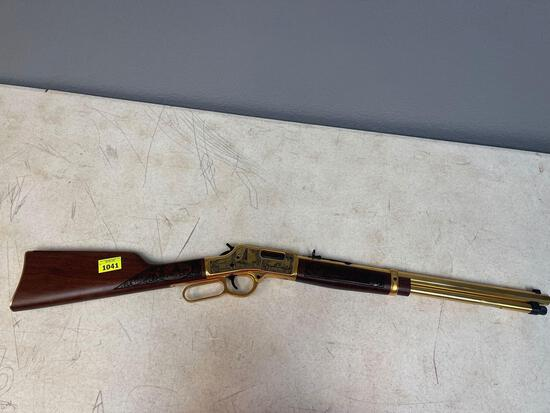 44 caliber rifle Henry Repeating Arms
