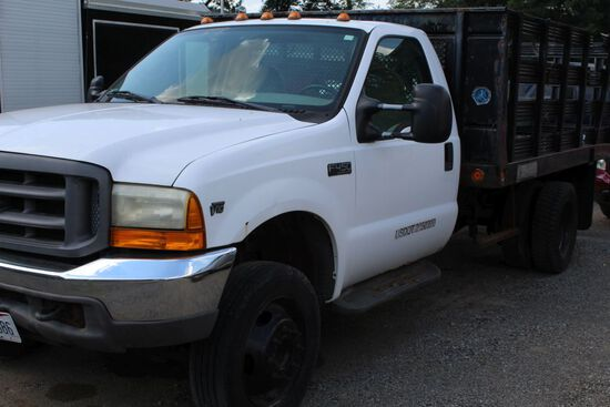 2000 Ford F-450 with Stake body