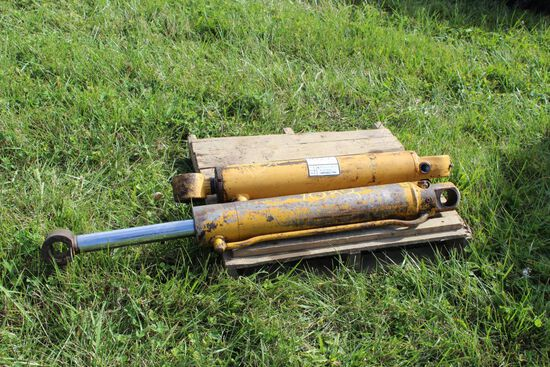 Hydraulic Cylinders for CAT backhoe