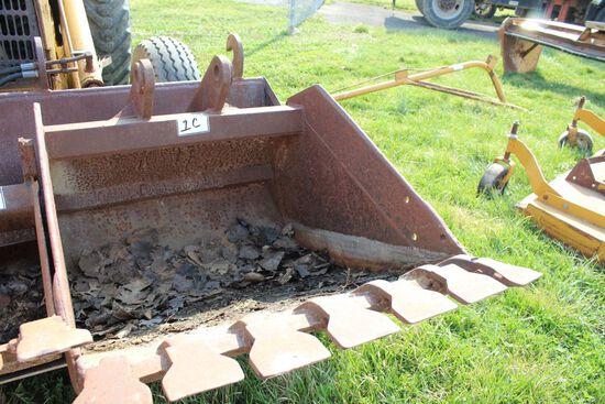 32 INCH FORD BACKHOE BUCKET