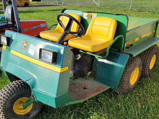John Deere 5 wheel gator