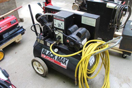 BLACK MAX AIR COMPRESSOR